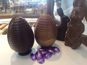 Egg Hollow 3D JUMBO Chocolate Easter Egg